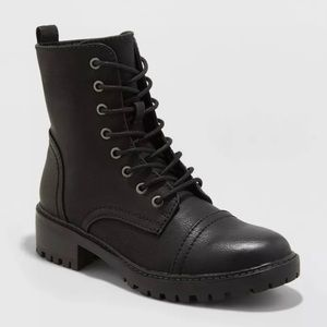 NWT black Faux Leather Combat Boot - Size 7.5